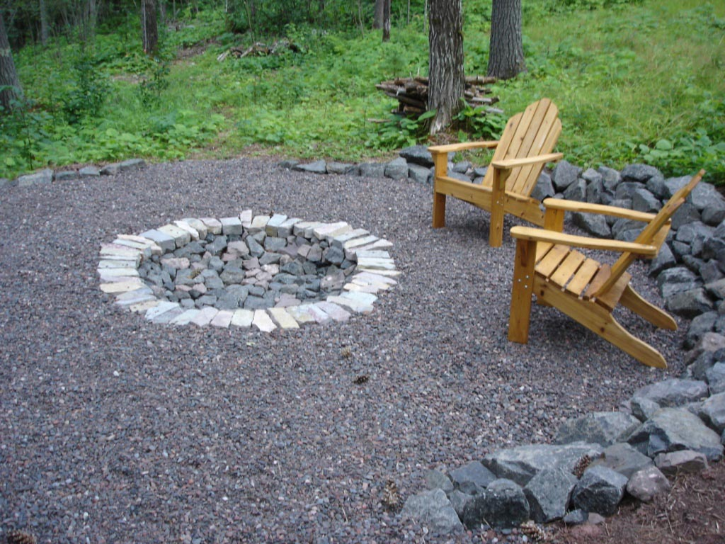 Backyard with Fire Pit Landscaping Ideas