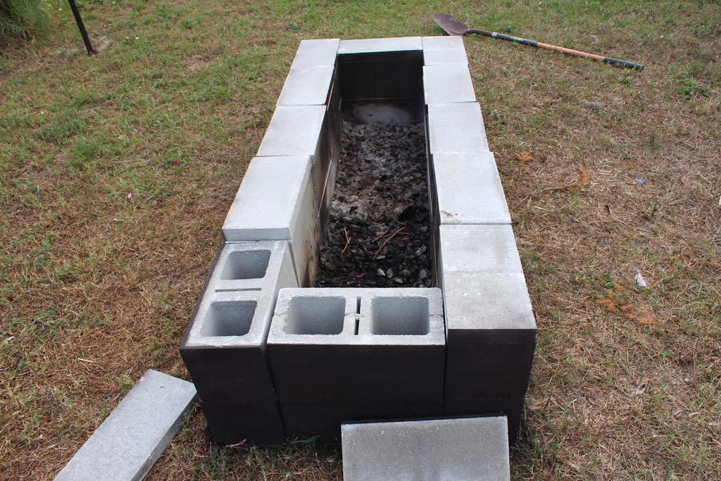 Concrete block fire pit fire pit design ideas for How to build a fire pit with concrete blocks