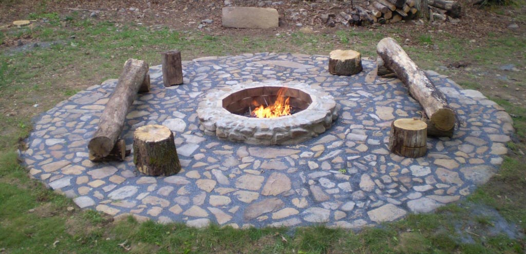 Budget diy backyard fire pit ideas fire pit design ideas for Do it yourself fire pit designs