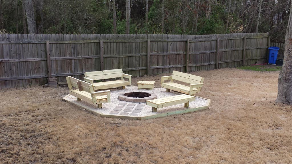 DIY Backyard Fire Pit Ideas