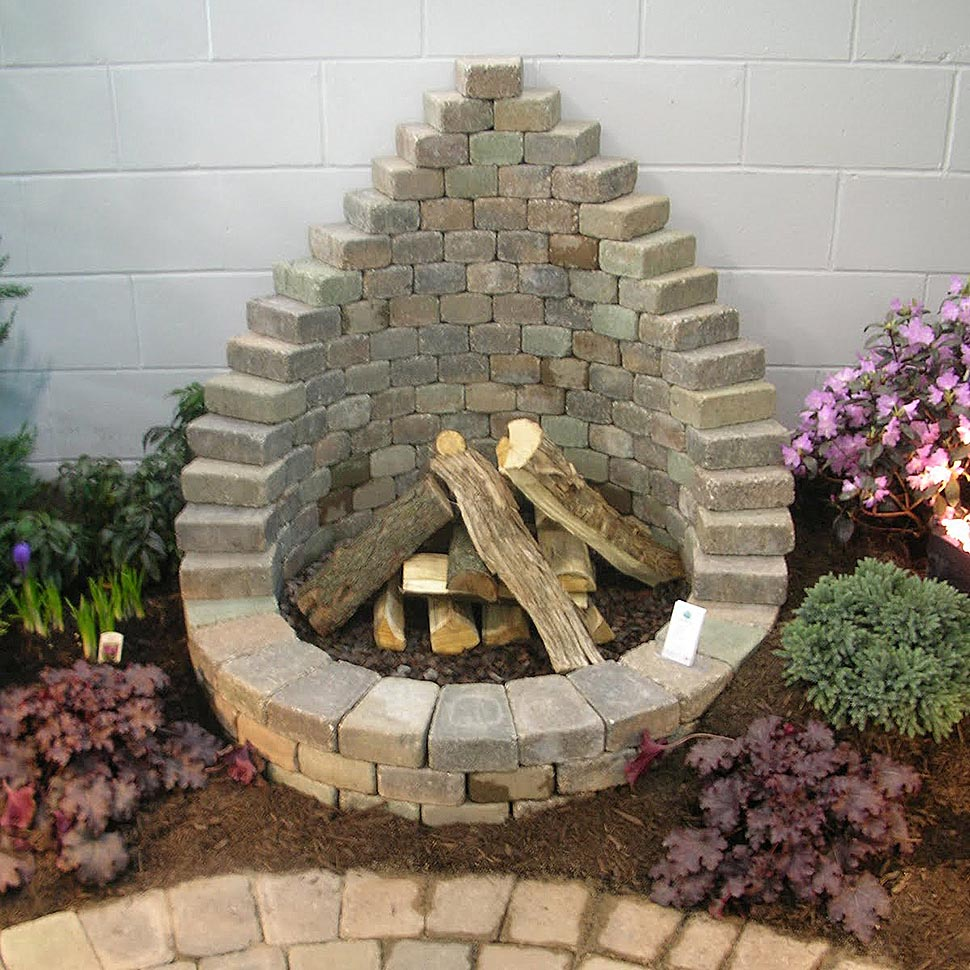 Diy fire pit easy fire pit design ideas for Backyard rock fire pit ideas