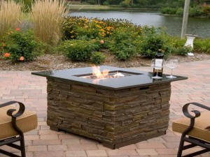 DIY Wood Fire Pit Table