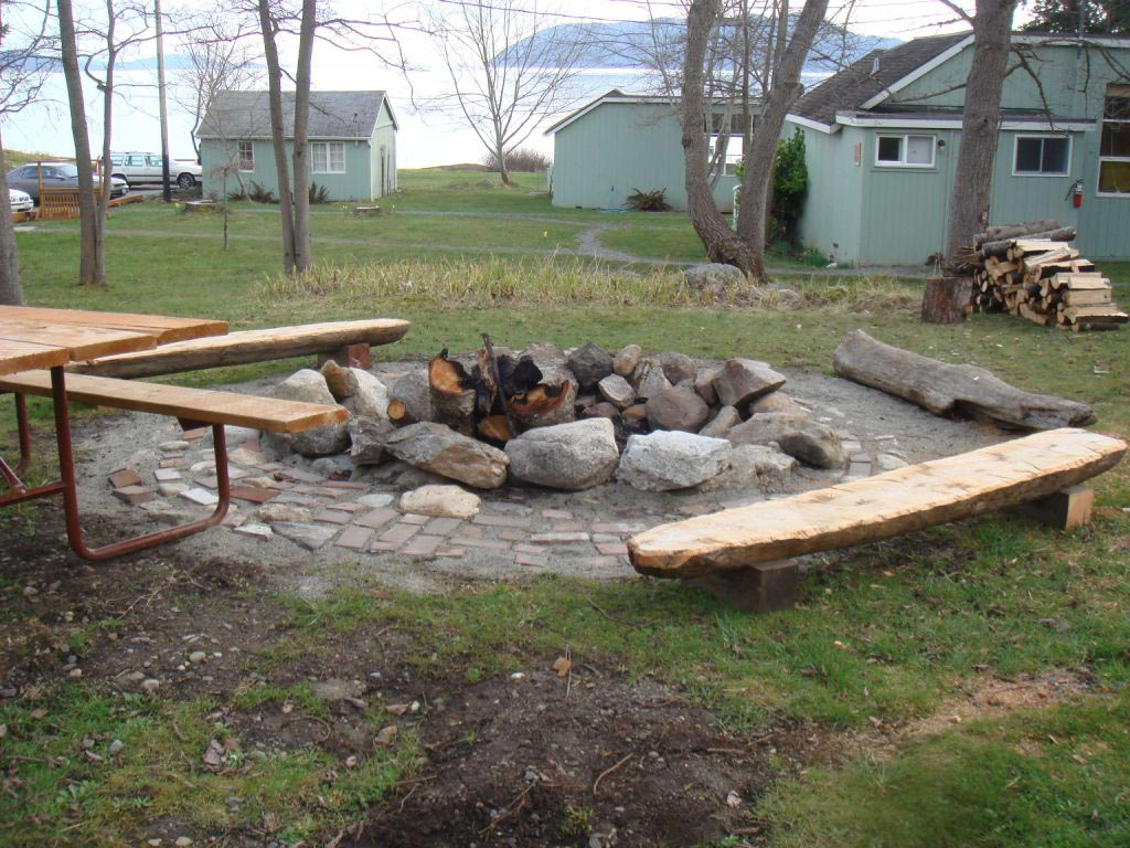 Fire Pit Bench Extraordinary and Stylish: Fire Pit Bench Ideas