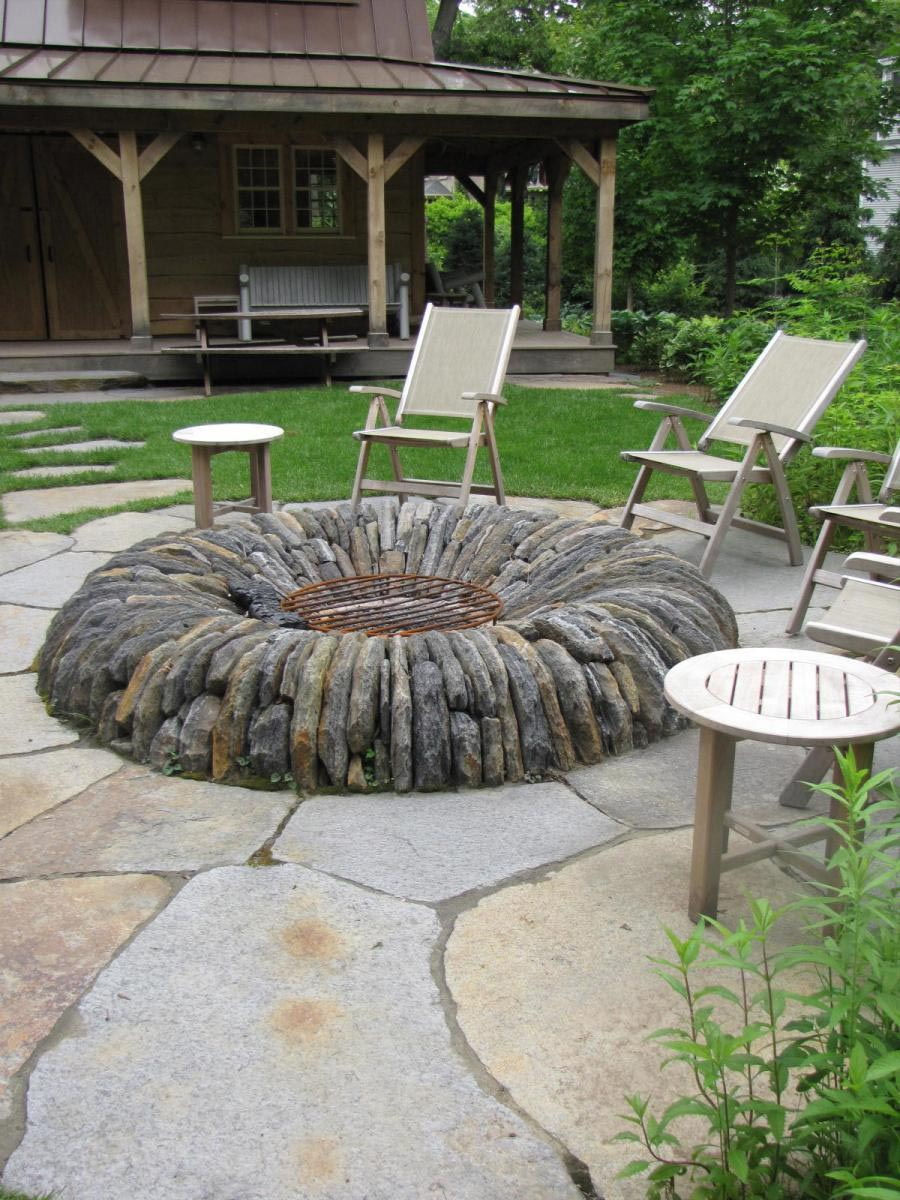 Fire pit ideas for small backyard fire pit design ideas for Small patio design plans