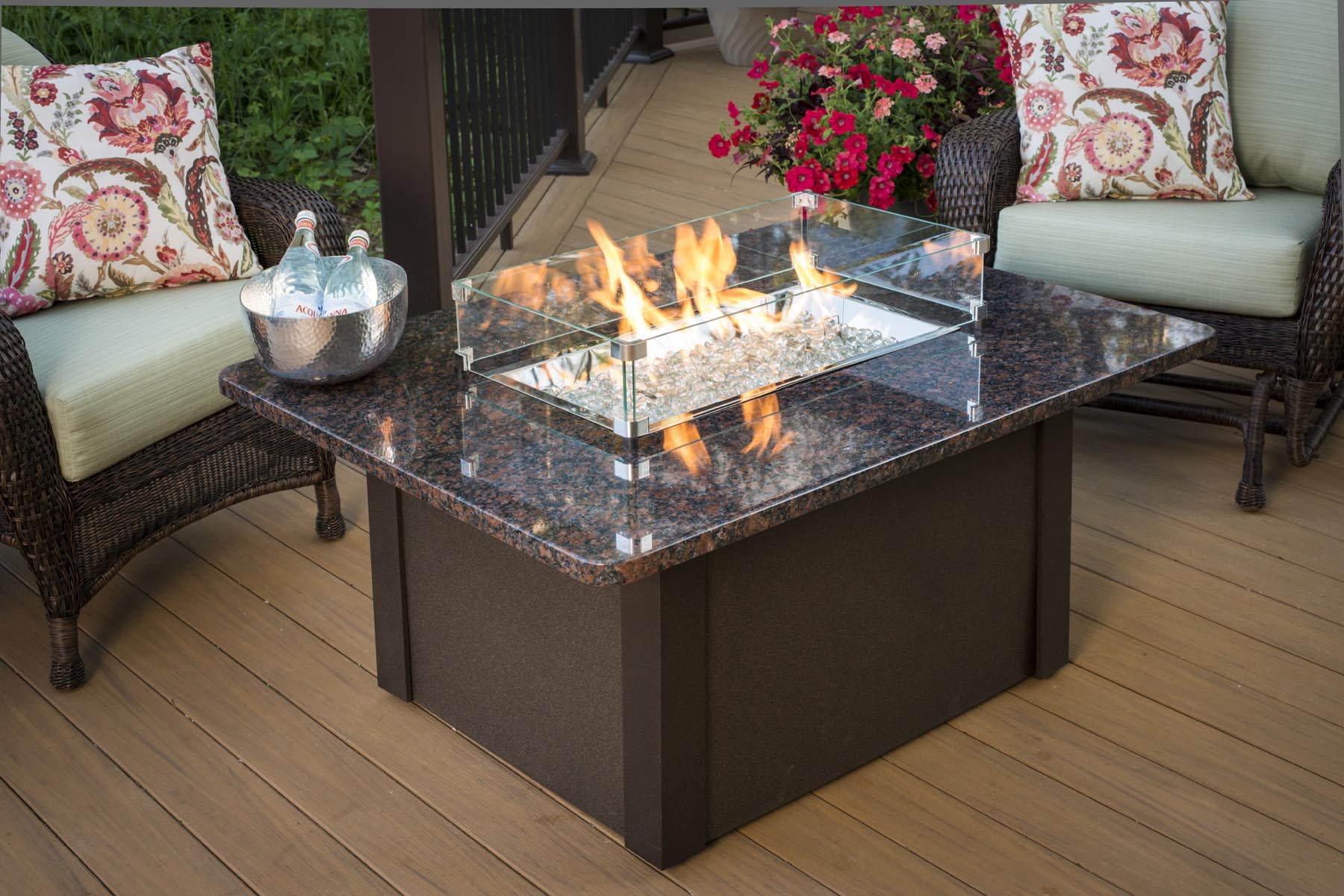 Beautiful Fire Pit Table DIY