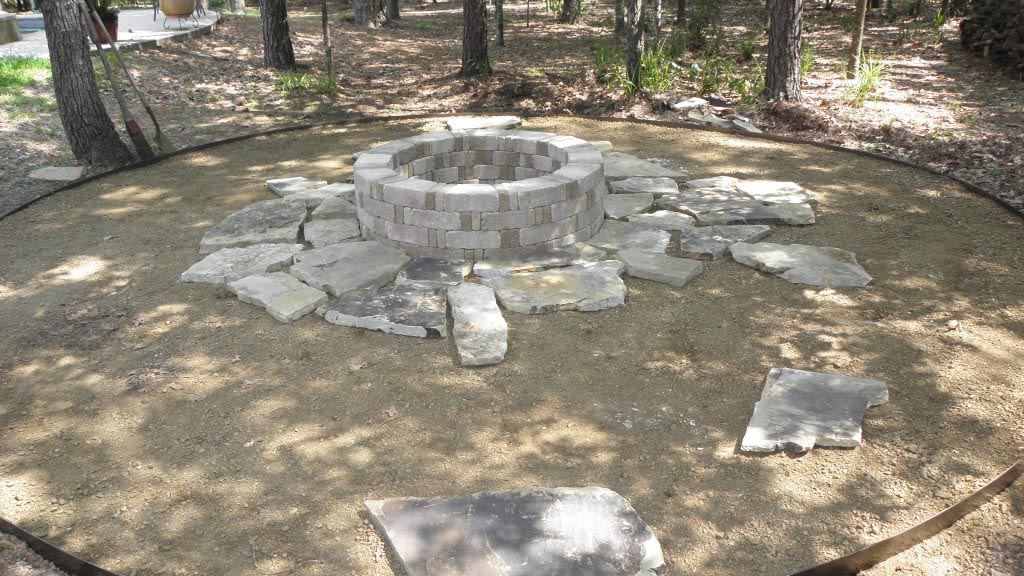 Flagstone Fire Pit : How to build a flagstone fire pit out of kit