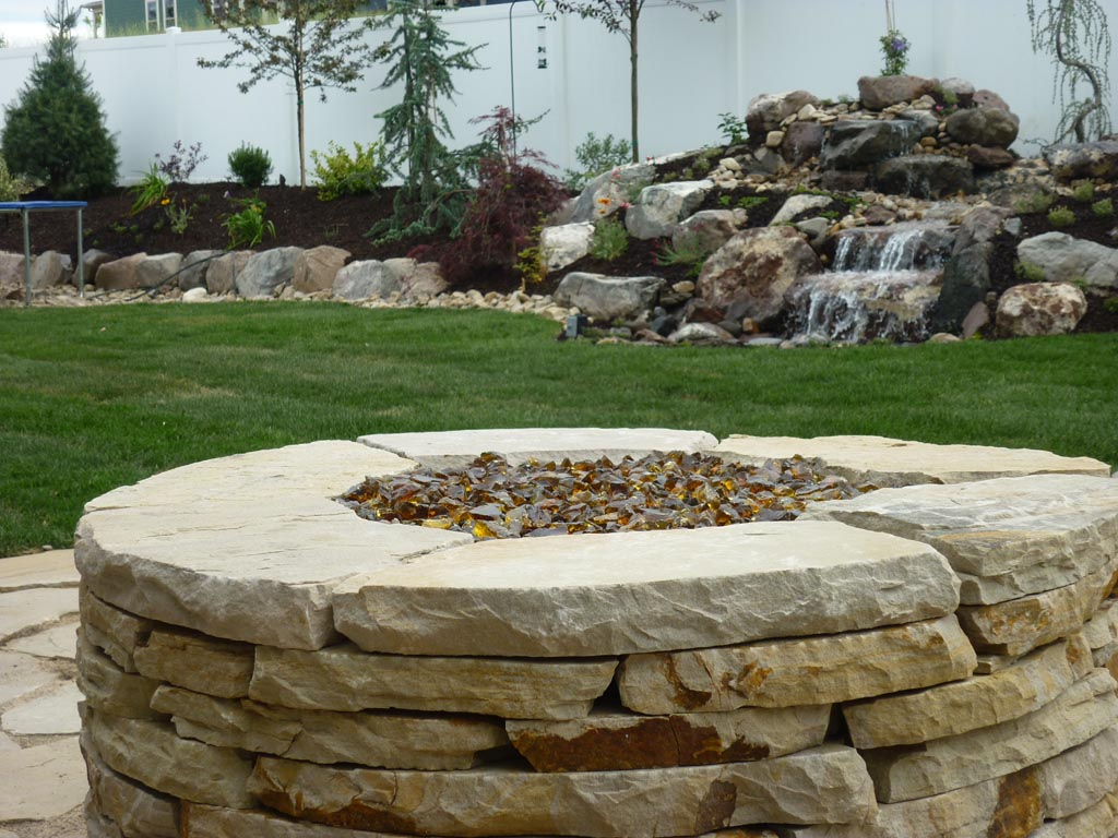 Flagstone fire pit roselawnlutheran for Flagstone designs