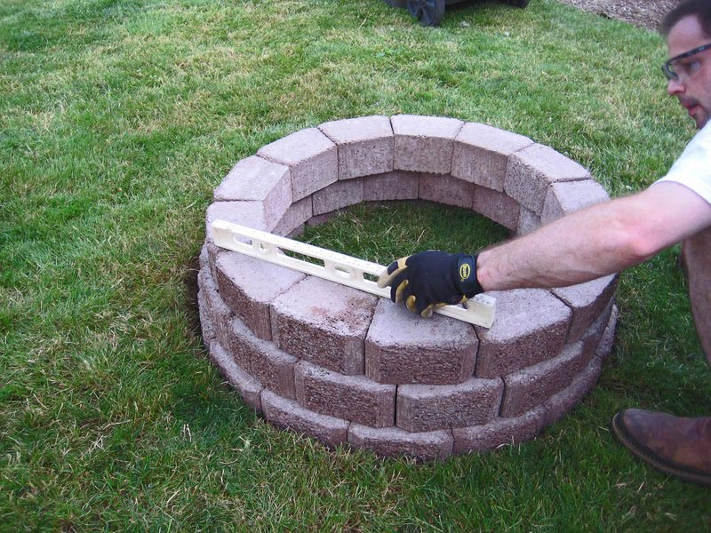 Outdoor brick fire pit ideas fire pit design ideas for Brick fire pit construction