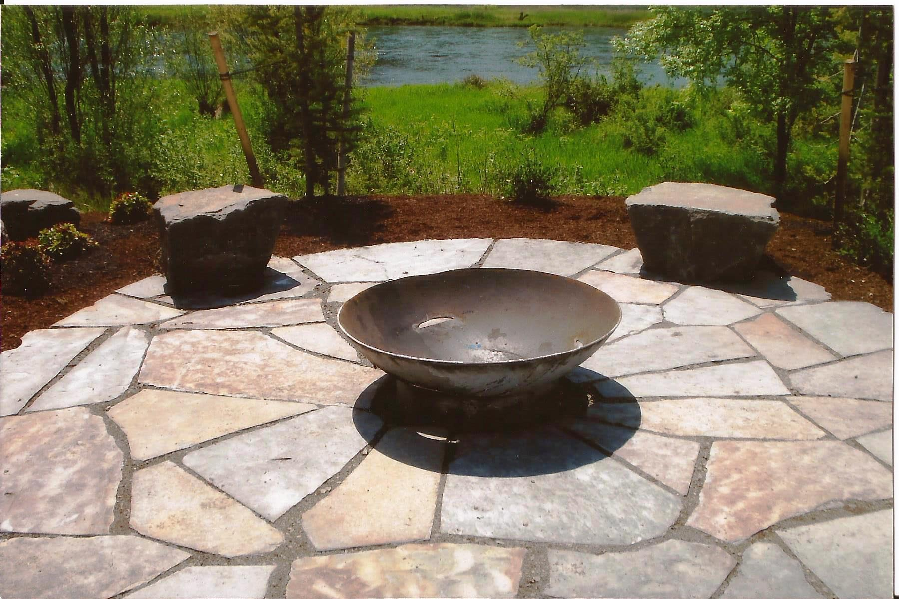 Paver patio designs with fire pit fire pit design ideas for Paving stone garden designs