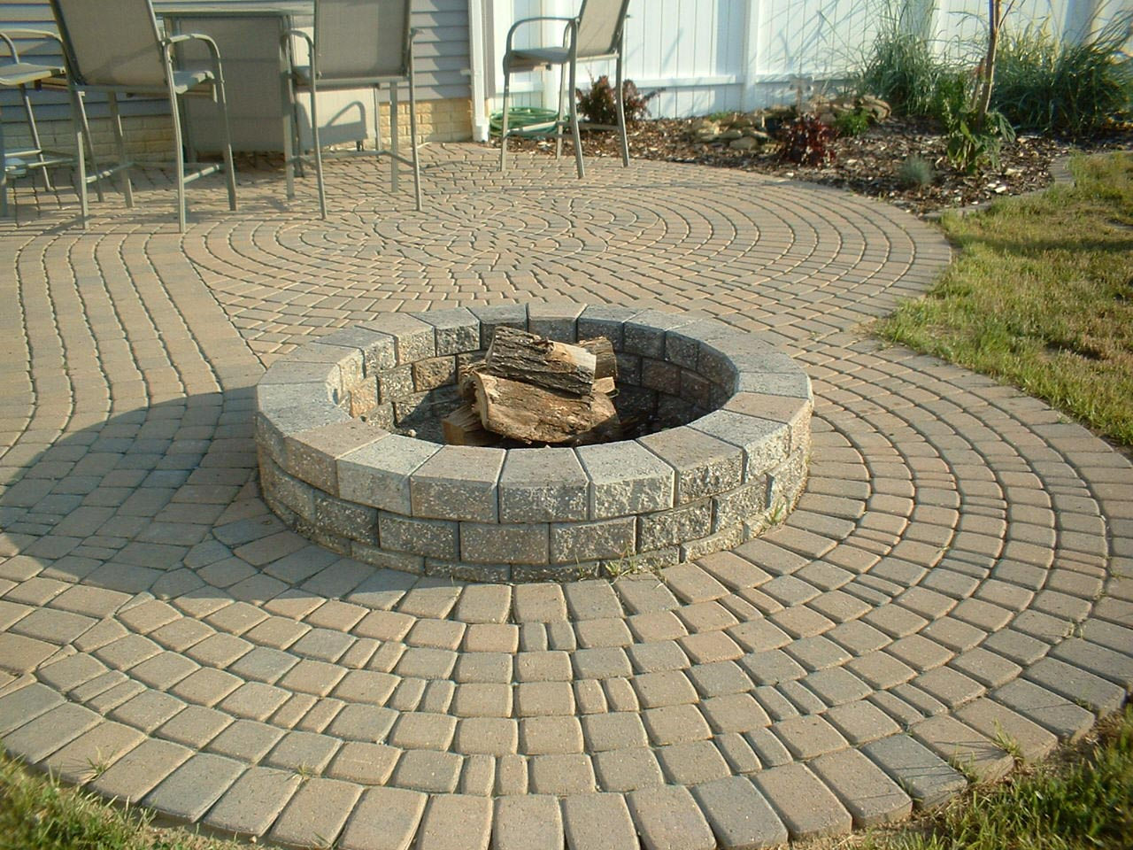 Paver patio with fire pit fire pit design ideas for Best fire pit design