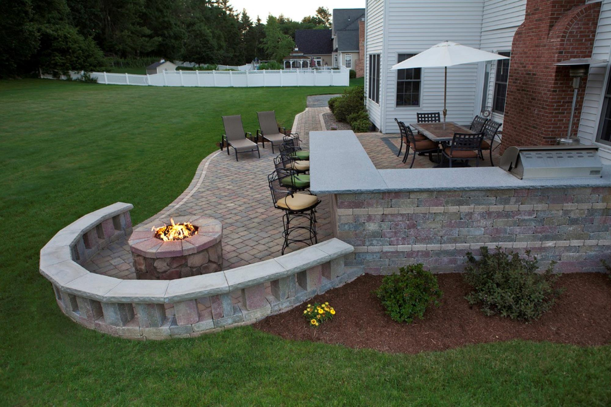 Small fire pit for patios fire pit design ideas for Small stone patio ideas