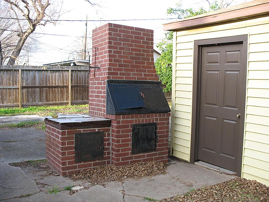 It is easy to make a brick bbq pit your own fire pit for Outdoor bbq designs plans