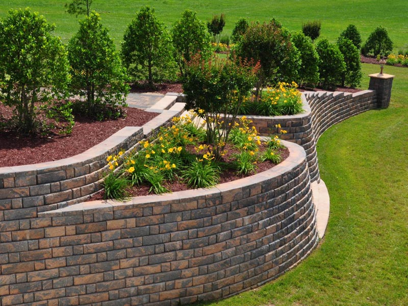 Building a Fire Pit with Retaining Wall Blocks
