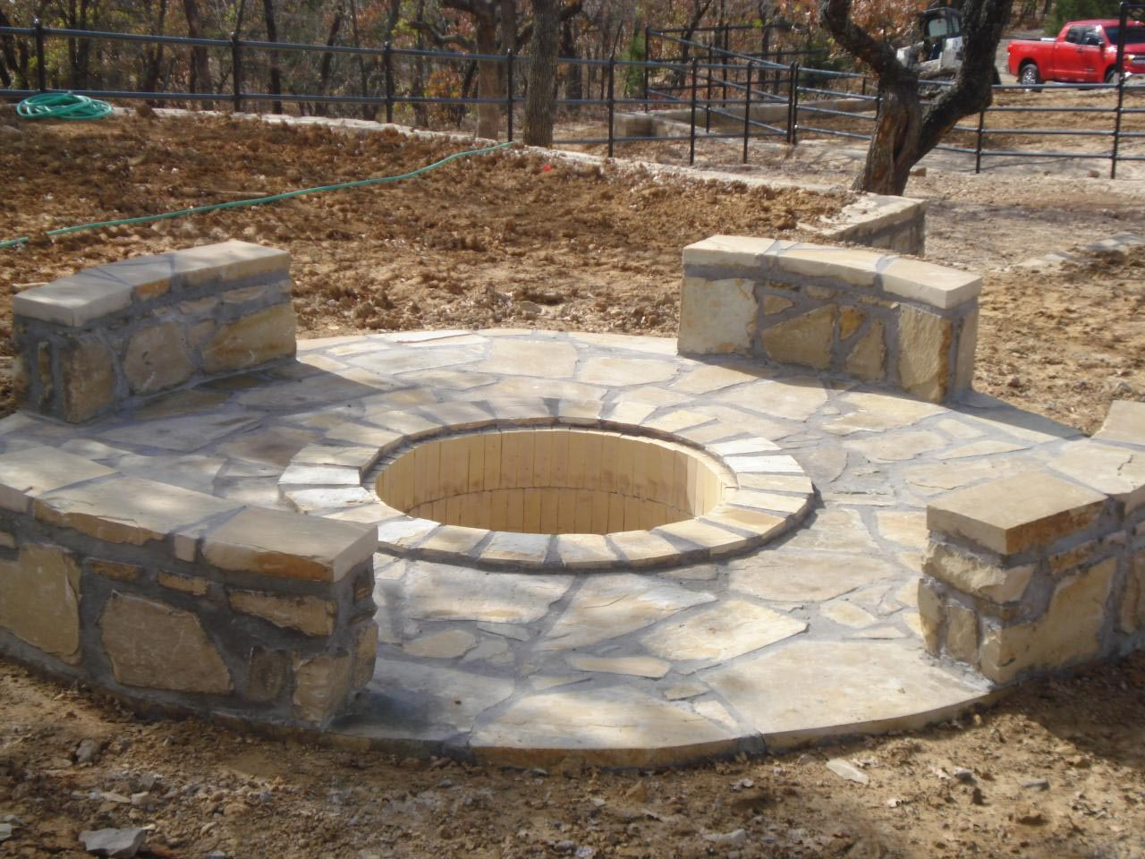 Cinder block fire pit plans fire pit design ideas for How to build a fire pit with concrete blocks