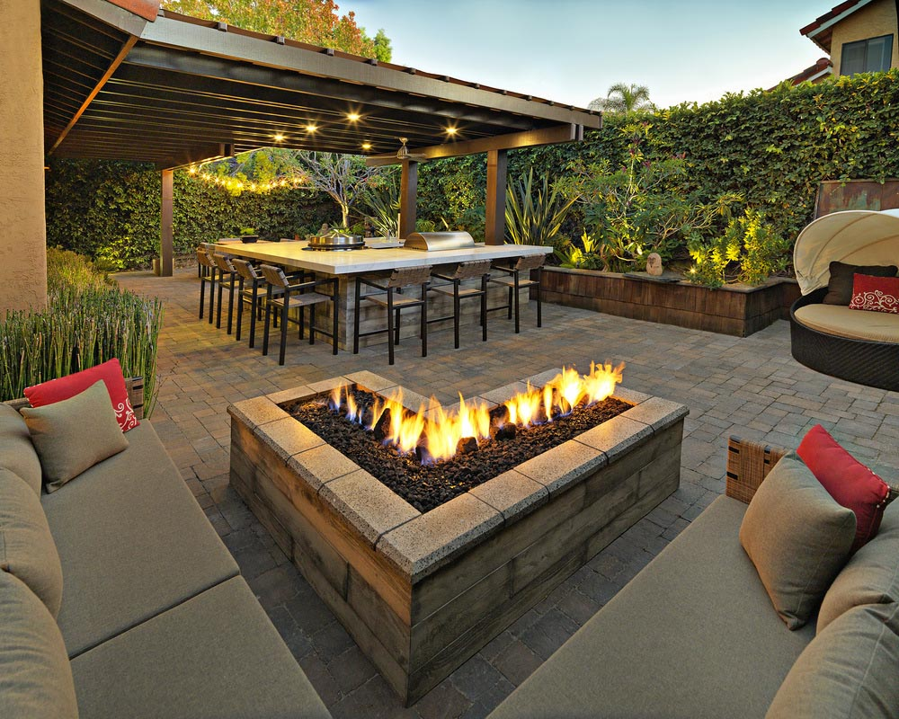 DIY Fire Pit with Pavers