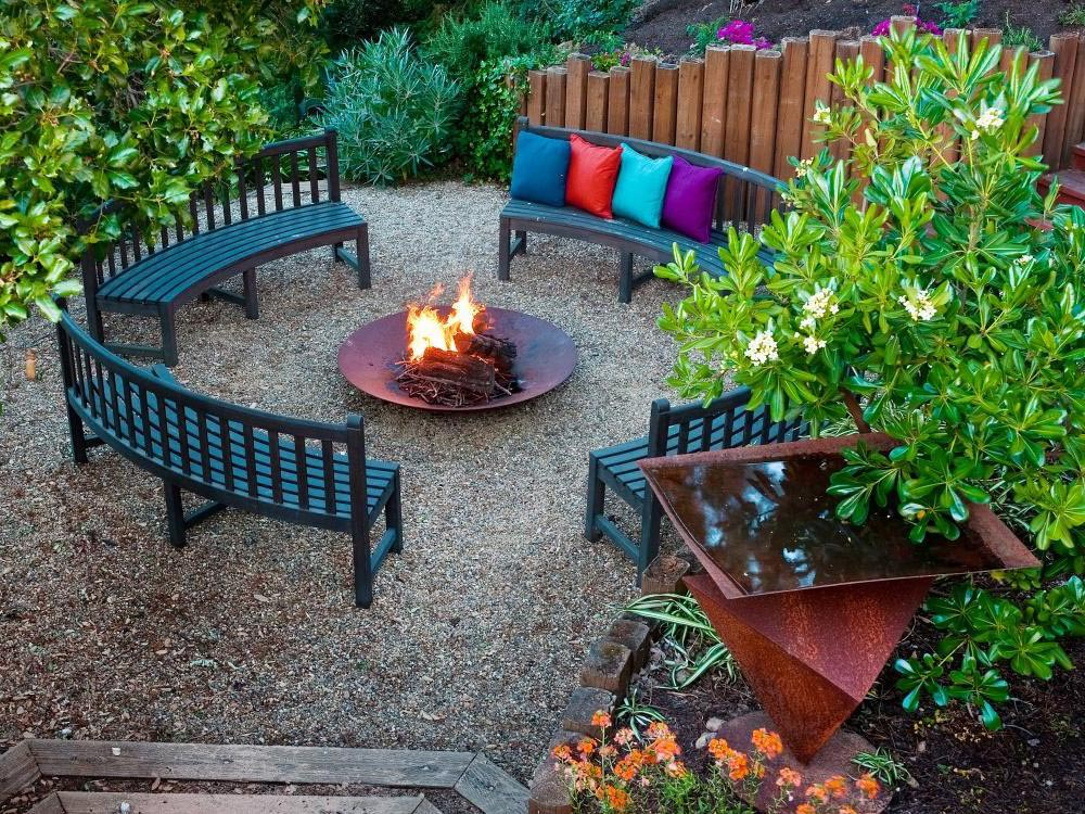 Fire pit chair ideas fire pit design ideas for Pinterest small patio ideas