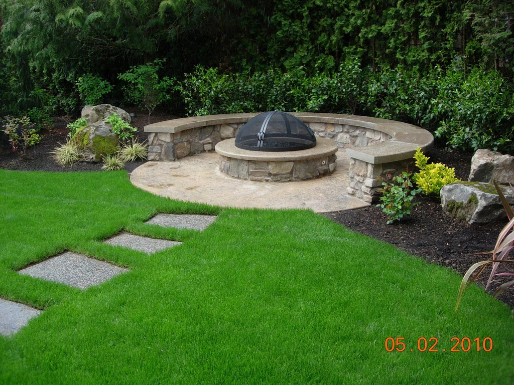 Homemade brick fire pit fire pit design ideas for How to build a round fire pit