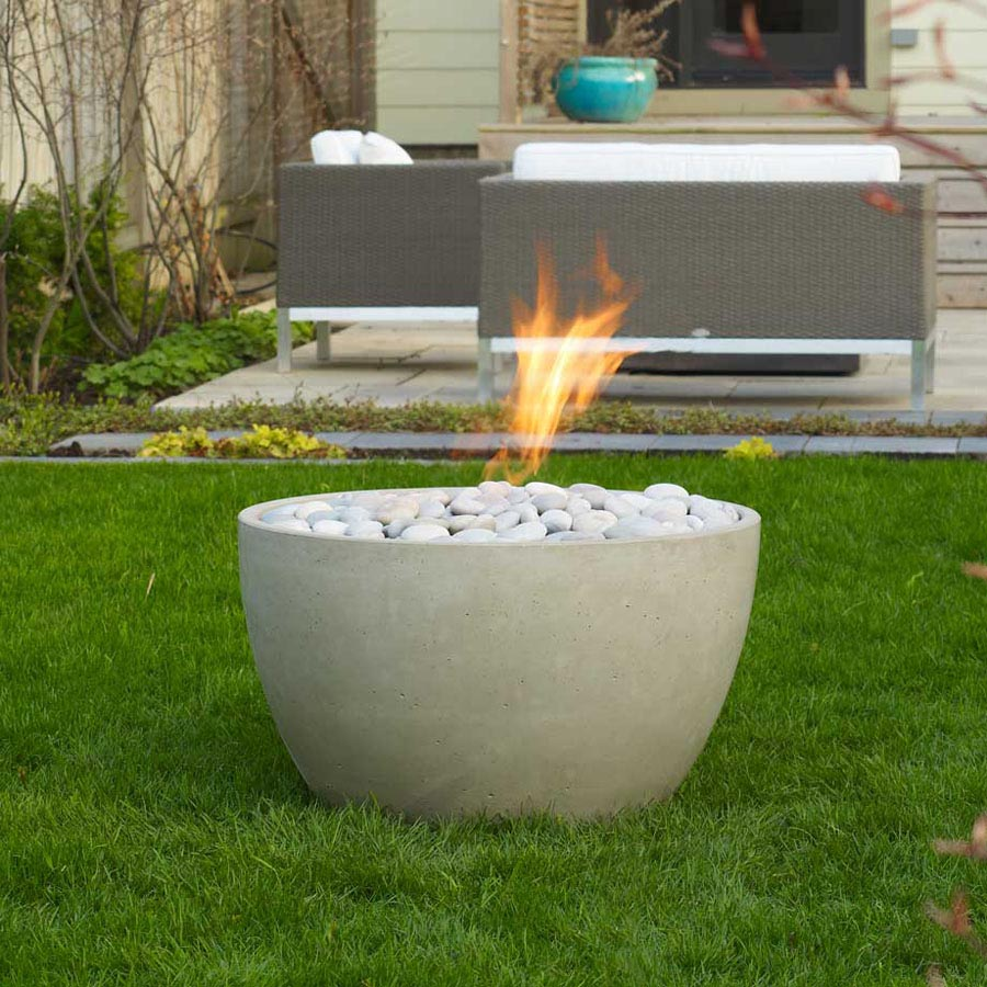 Modern fire pit in your garden fire pit design ideas for Outdoor modern fire pit