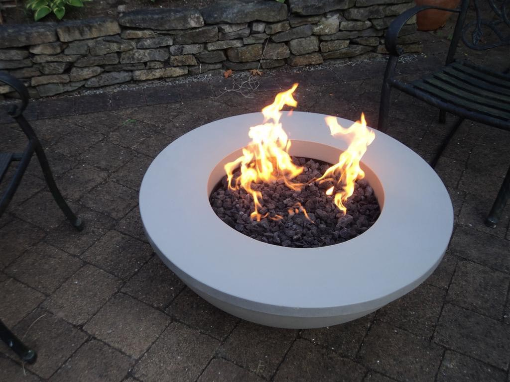 Outdoor fire pit modern fire pit design ideas for Outdoor modern fire pit