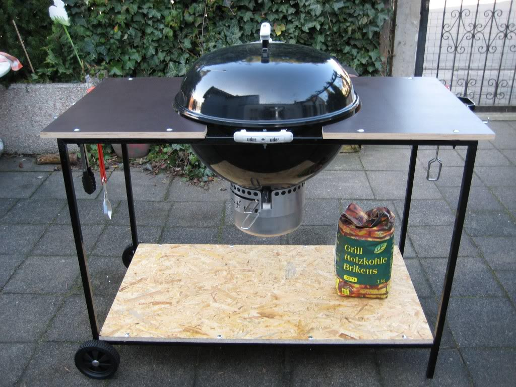 Use Bbq Side Table And Increase The Working Surface Fire